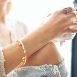 vilund_design_bracelet_in_focus_dreams_to_action_com_au